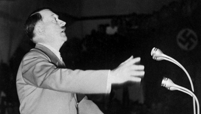 Рейхсканцлер Германии Адольф Гитлер. Архивное фото