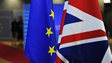 Флаги Европейского союза и Великобритании. Архивное фото