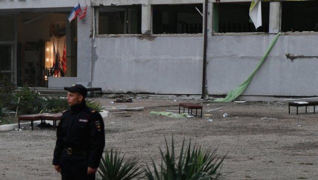 Здание Политехнического колледжа в Керчи после нападения