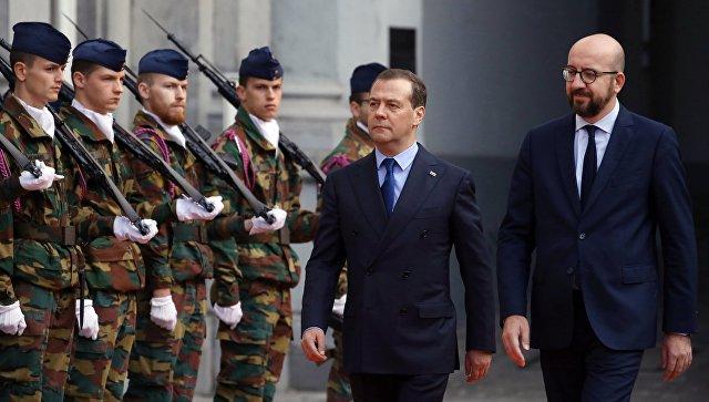 Вопрос о поставках газа из России сильно политизирован США, заявил Медведев