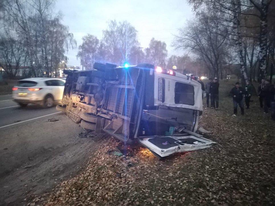 В Дмитровском районе в столкновении автобуса и маршрутки погибли четыре человека