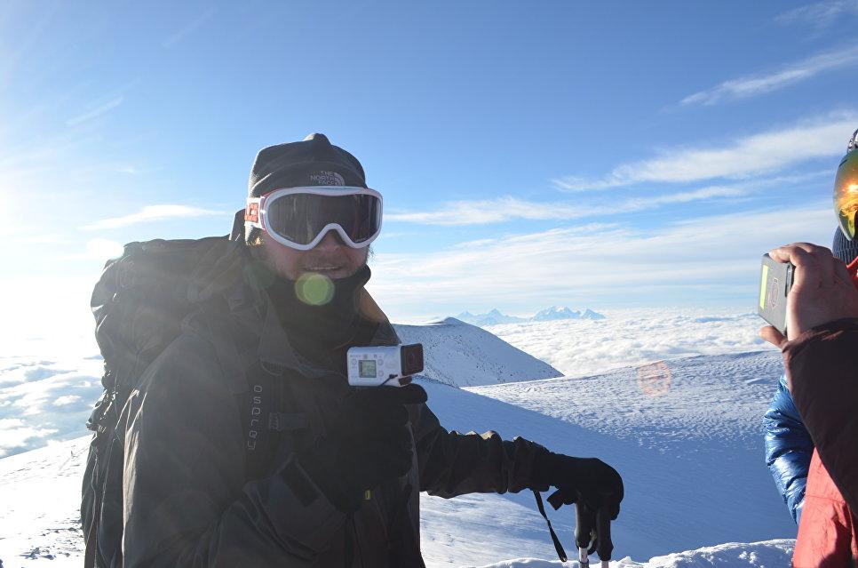 На вершине Эльбруса.