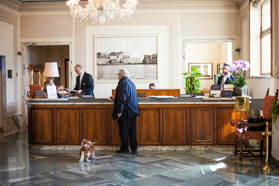 Гость отеля Grand Hotel Vesuvio, Неаполь