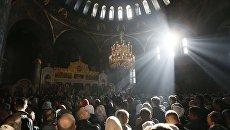 Служба в Киево-Печерской лавре в Киеве. Архивное фото