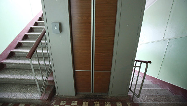 В Москве оценят действия диспетчера лифта, не пришедшего на помощь погибшей