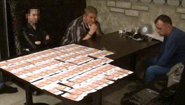 В Крыму за дачу взятки задержан глава компании-производителя охранных систем