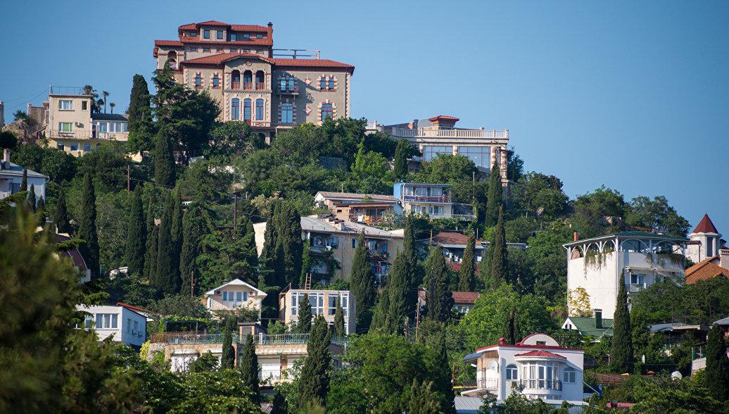 Вид на город Гурзуф