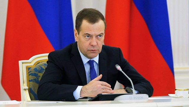 Медведев назвал затягивание строительства атомных ледоколов недопустимым