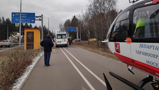 В Москве ребенка эвакуировали на вертолете после ДТП на Киевском шоссе