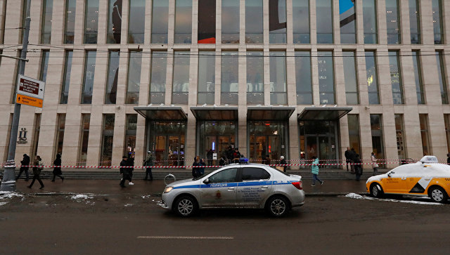 В Москве двенадцать торговых центров эвакуировали после анонимных звонков