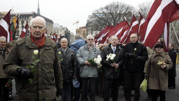 Шествие легионеров Ваффен СС и их сторонников в Риге. Архивное фото