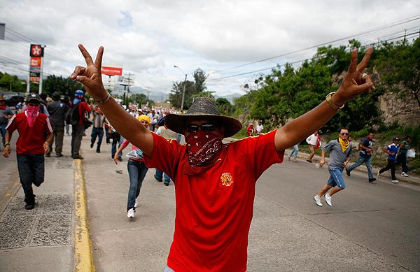 Беспорядки на улицах Гондураса после свержения президента