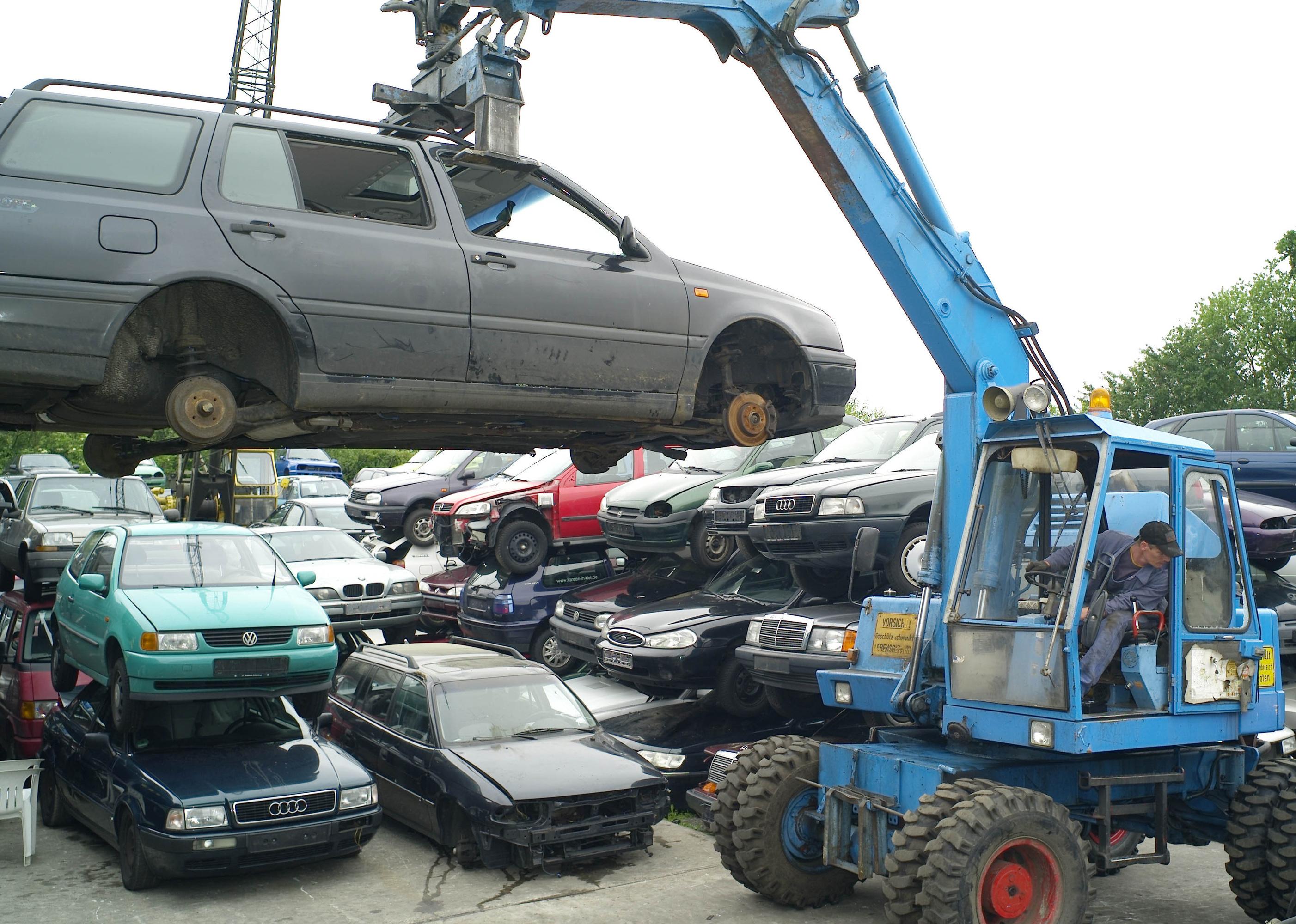 Прием и утилизации поддержанных автомобилей в городе Киль. Архив