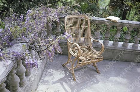Кресло, в котором любил отдыхать Чехов в Доме-музее А.П. Чехова в Ялте