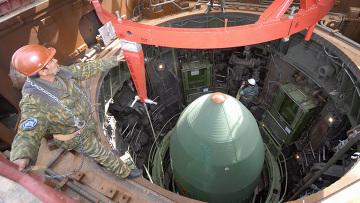 Подготовка к запуску ракеты. Архивное фото