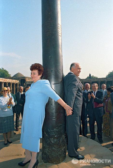 В.Черномырдин с женой Валентиной во время поездки в Индию