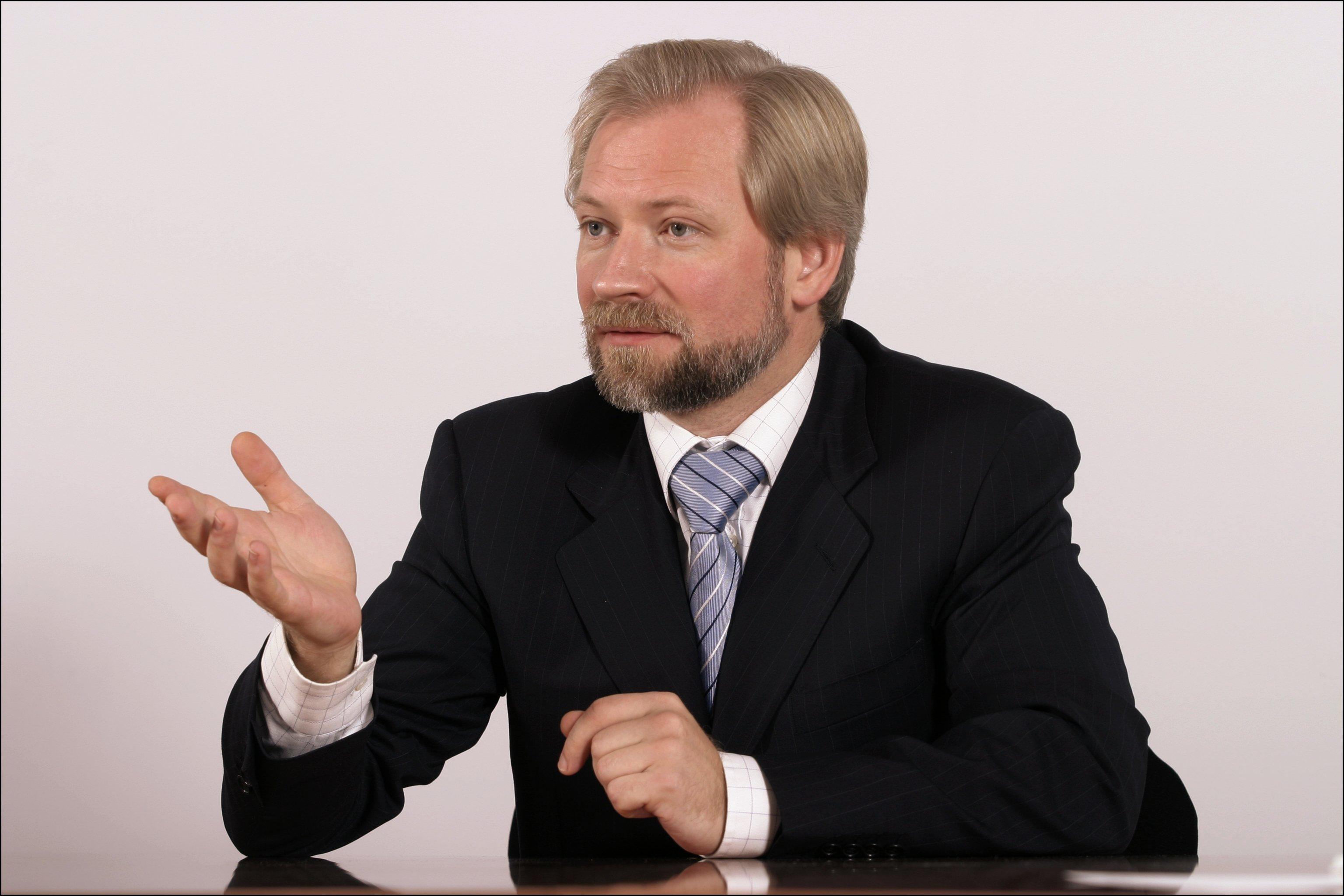 Директор по связям с государственными органами, работе с естественными монополиями и обеспечению мер по защите ресурсов ОК Русал Вадим Гераскин