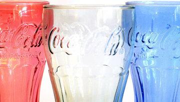 Фирменный стакан Coca-Cola, архивное фото