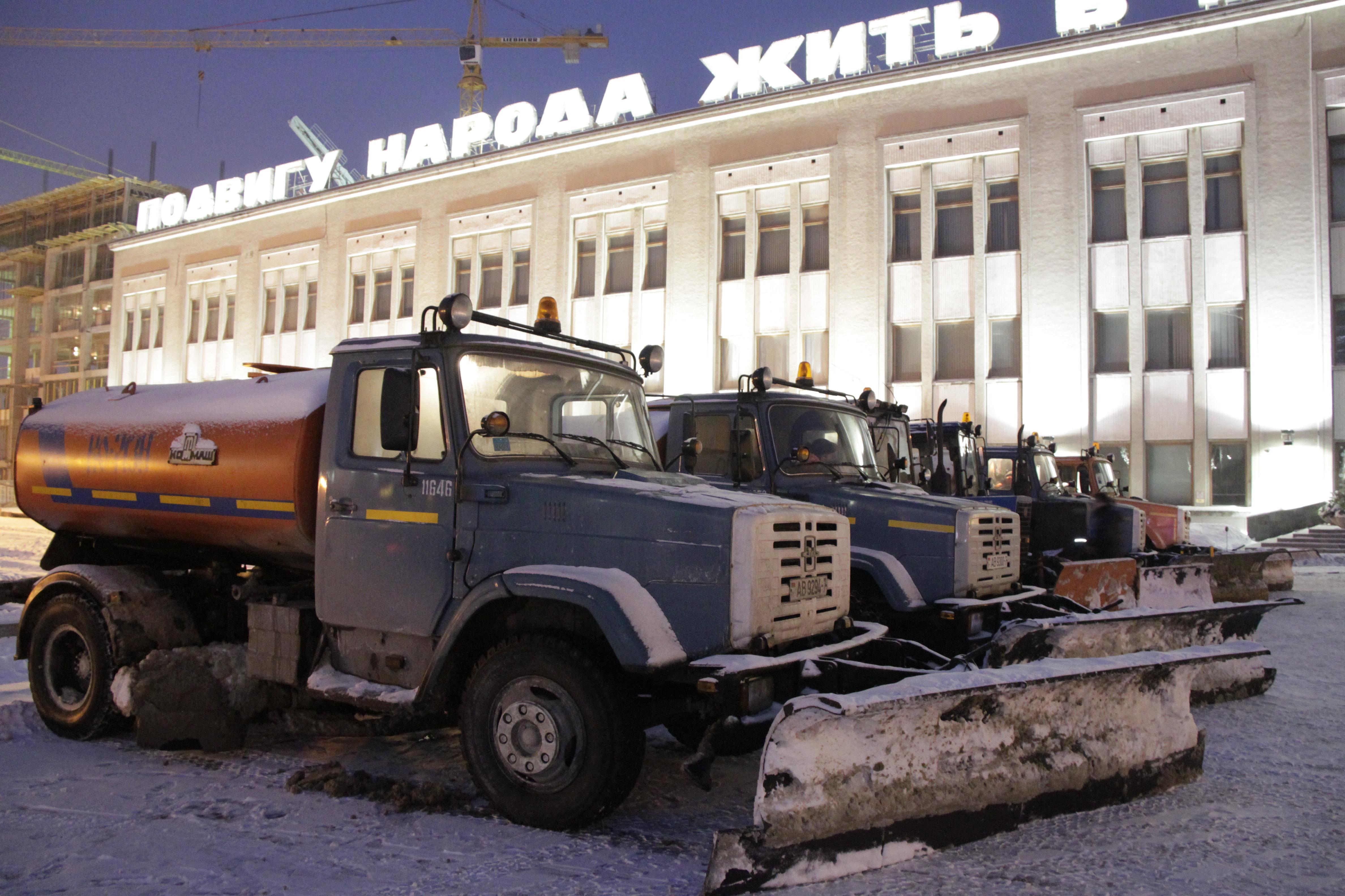 Техника МЧС на Октябрьской площади в Минске