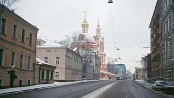 Старая Басманная улица в Москве. Архивное фото