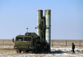 Пусковая установка зенитных ракет комплекса С-400. Архивное фото