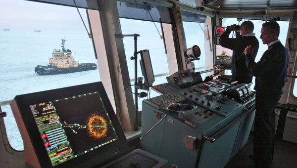 Ледовая проводка атомным ледоколом Вайгач судов в Финском Заливе