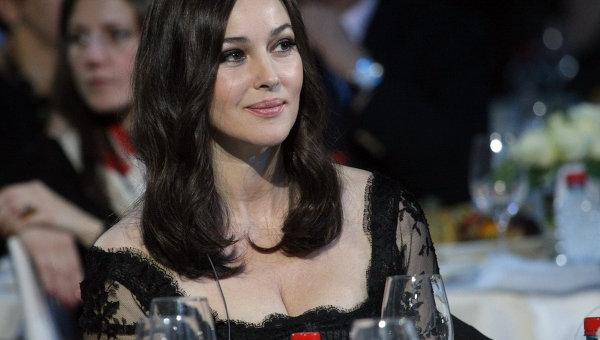 Актриса Моника Белуччи на благотворительном вечере в Ледовом дворце, посвященном проблемам детской онкологии и офтальмологии