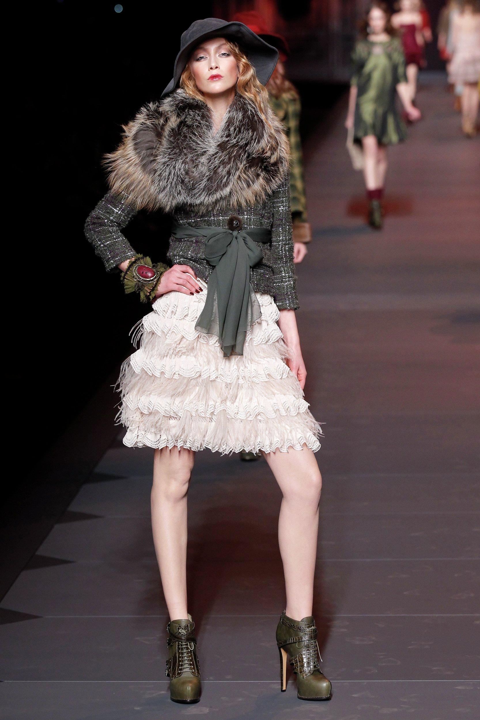 Показ коллекции John Galliano для модного дома Dior на Неделе моды в Париже