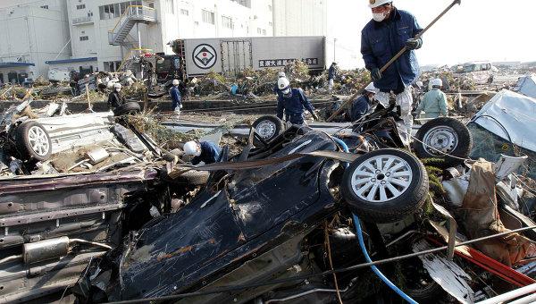 Спасательные работы на севере Японии в городе Сендай