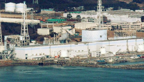 Поврежденные реакторы АЭС Фукусима-1 в Японии, 17 марта 2011 г.