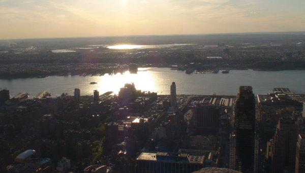 Вид с Эмпайр Стейт Билдинг в Нью-Йорке. Архивное фото