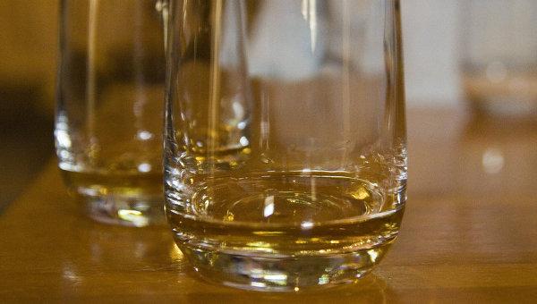Бокал с виски