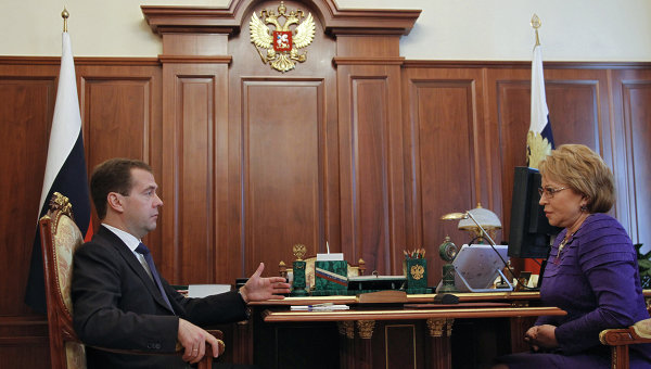 Губернатор Санкт-Петербурга Валентина Матвиенко согласилась избираться в Совет Федерации