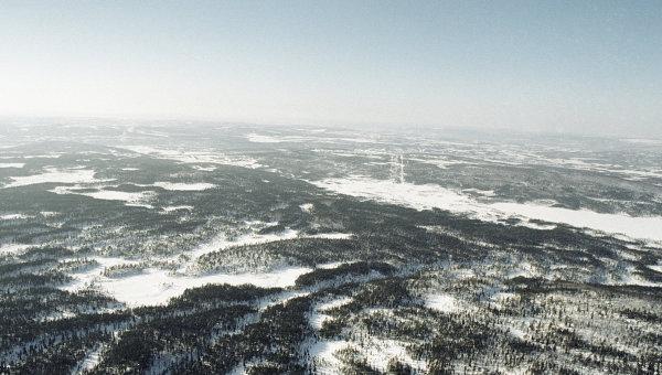 Вид тундры с вертолёта. Архив