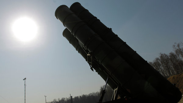 Зенитно-ракетный комплекс (ЗРК) С-400 Триумф. Архивное фото