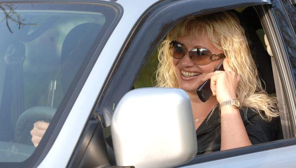 Женщина за рулем. Архивное фото