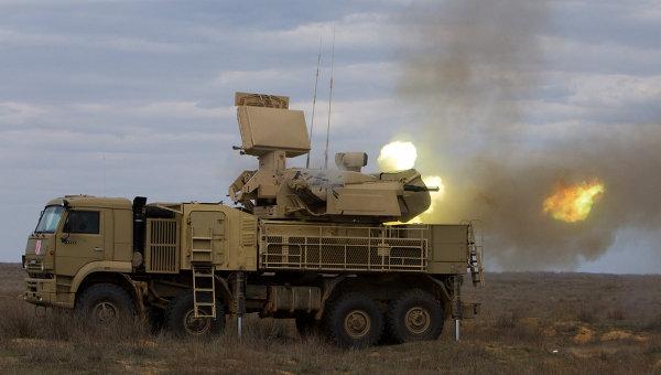 Работа пушечного модуля зенитно-ракетного комплекса Панцирь-С в рамках учений. Архивное фото