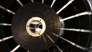 Одно из зеркал рентгеновского телескопа eROSITA, который будет работать на борту российской астрофизической обсерватории Спектр-РГ. Архвиное фото