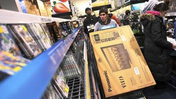 Начало рождественского шопинга в супермаркет Best Buy в черную пятницу