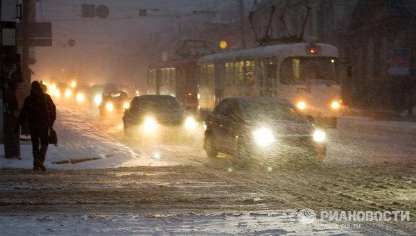 Сильный снегопад в Нижнем Новгороде. Архивное фото