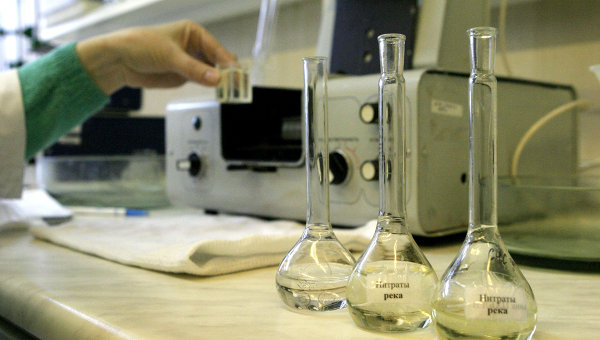 Исследование воды из Амура в лаборатории МП Водоканал