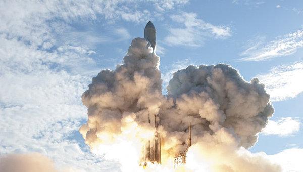 Старт ракеты Delta II с зондами GRAIL