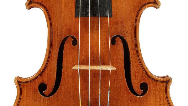 Скрипка  Страдивари. Архивное фото