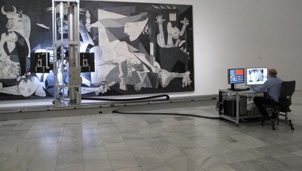 Мадридский музей королевы Софии со следующей недели приступает к детальной фотосъемке картины Пикассо Герника при помощи специального робота