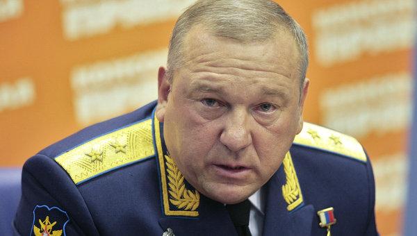 Командующий Воздушно-десантными войсками генерал-лейтенант Владимир Шаманов