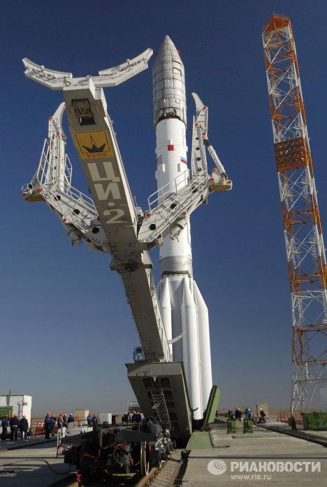 На космодроме Байконур состоялся вывоз и установка на старт РН Протон-М со спутником связи Astra-1M