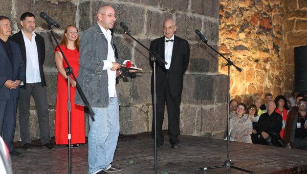 Режиссер Михаил Брашинский на церемонии закрытия фестиваля Окно в Европу