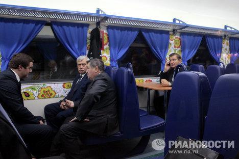 Поезд российской государственности в Санкт-Петербурге перед отправлением