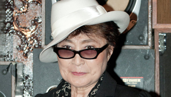 Художница и певица Йоко Оно. Архивное фото