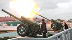 Отец пятимиллионной жительницы Петербурга выстрелил из пушки в ее честь